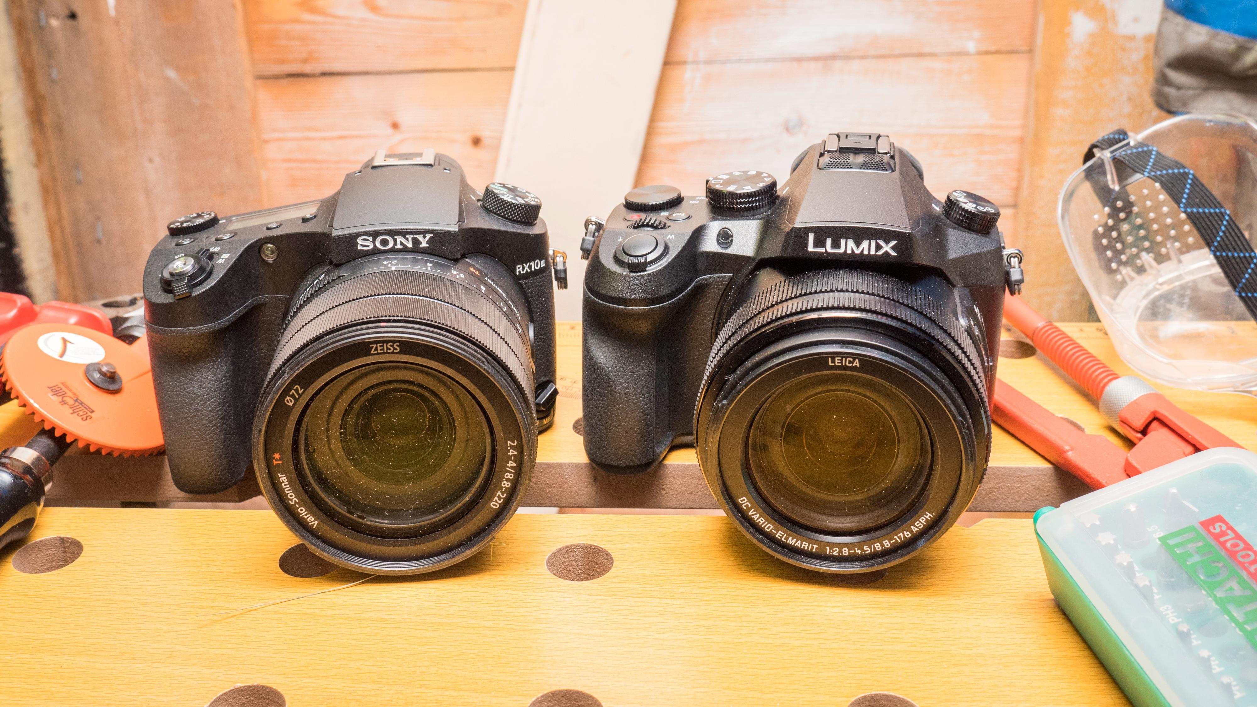 Sony RX10 III og Panasonic Lumix FZ2000 yter markant bedre enn de to mindre modellene, men koster også langt mer.