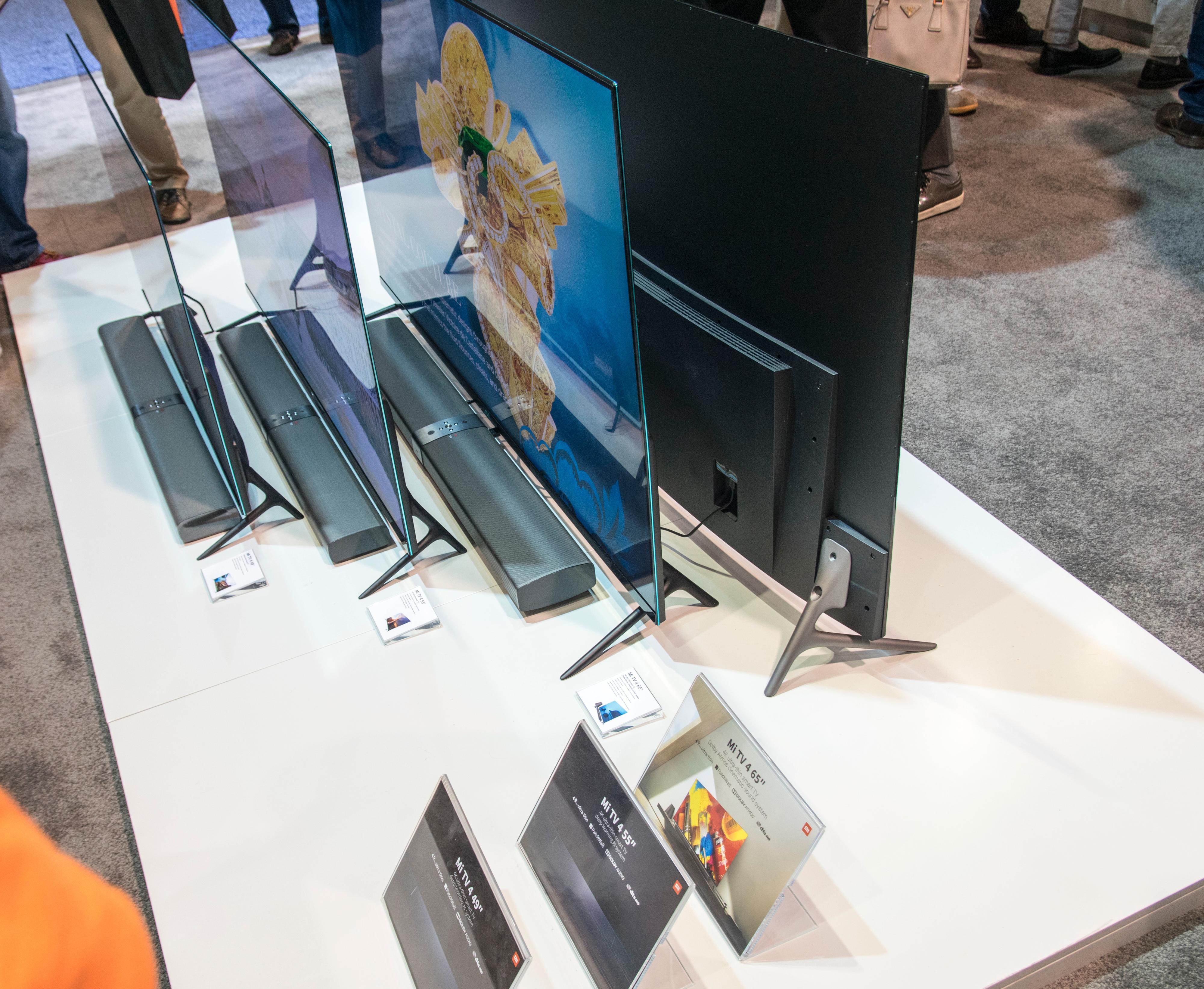 Et utvalg av Xiaomis TV-modeller. 65-tommeren kommermed en lydplanke som også støtter Dolby Atmos.