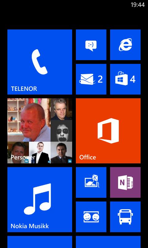 Hjemskjermen i Windows Phone 8.
