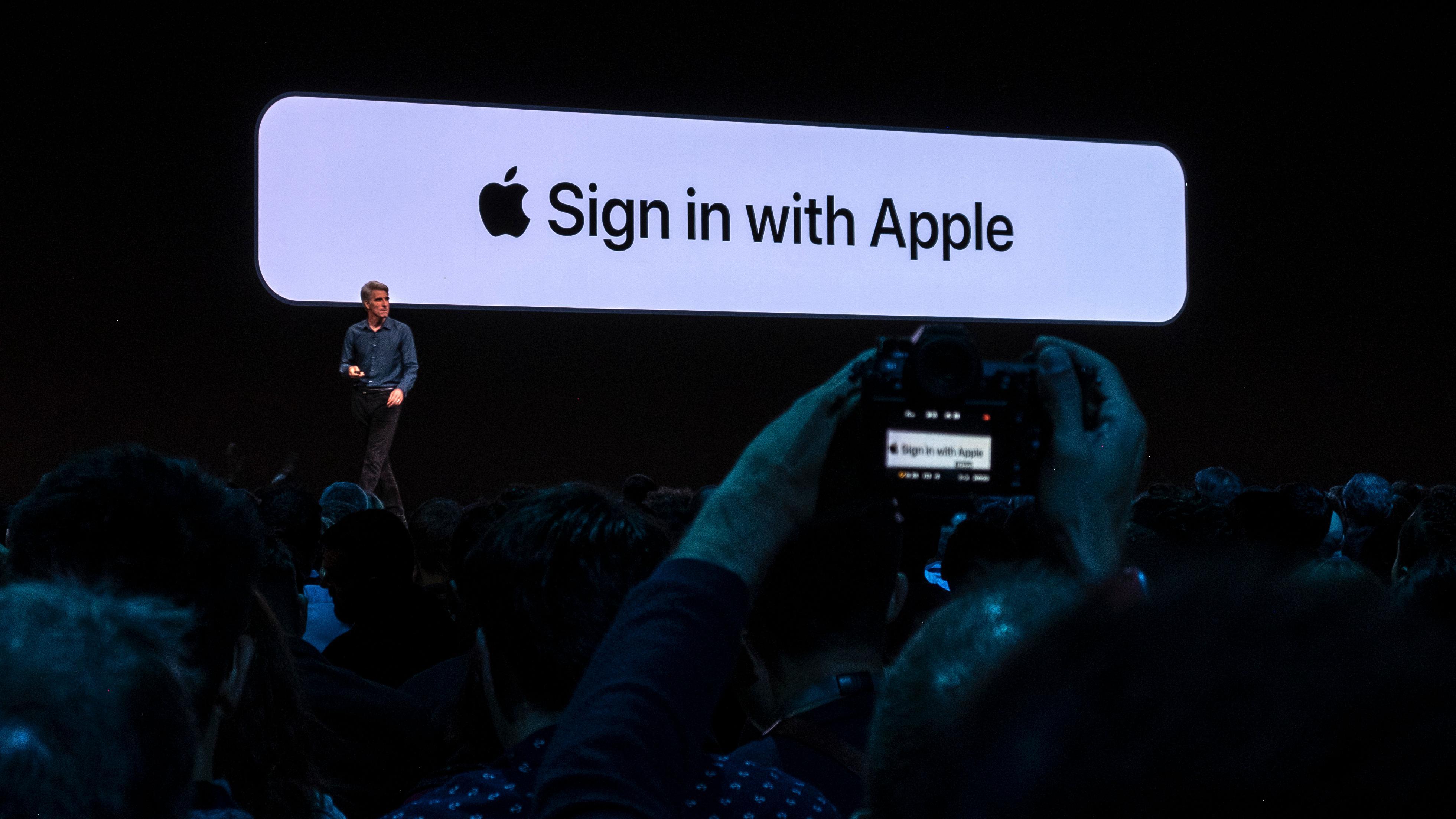 Derfor er det mer grunn til å stole på Apple når de snakker om sikkerhet, enn Facebook og Google