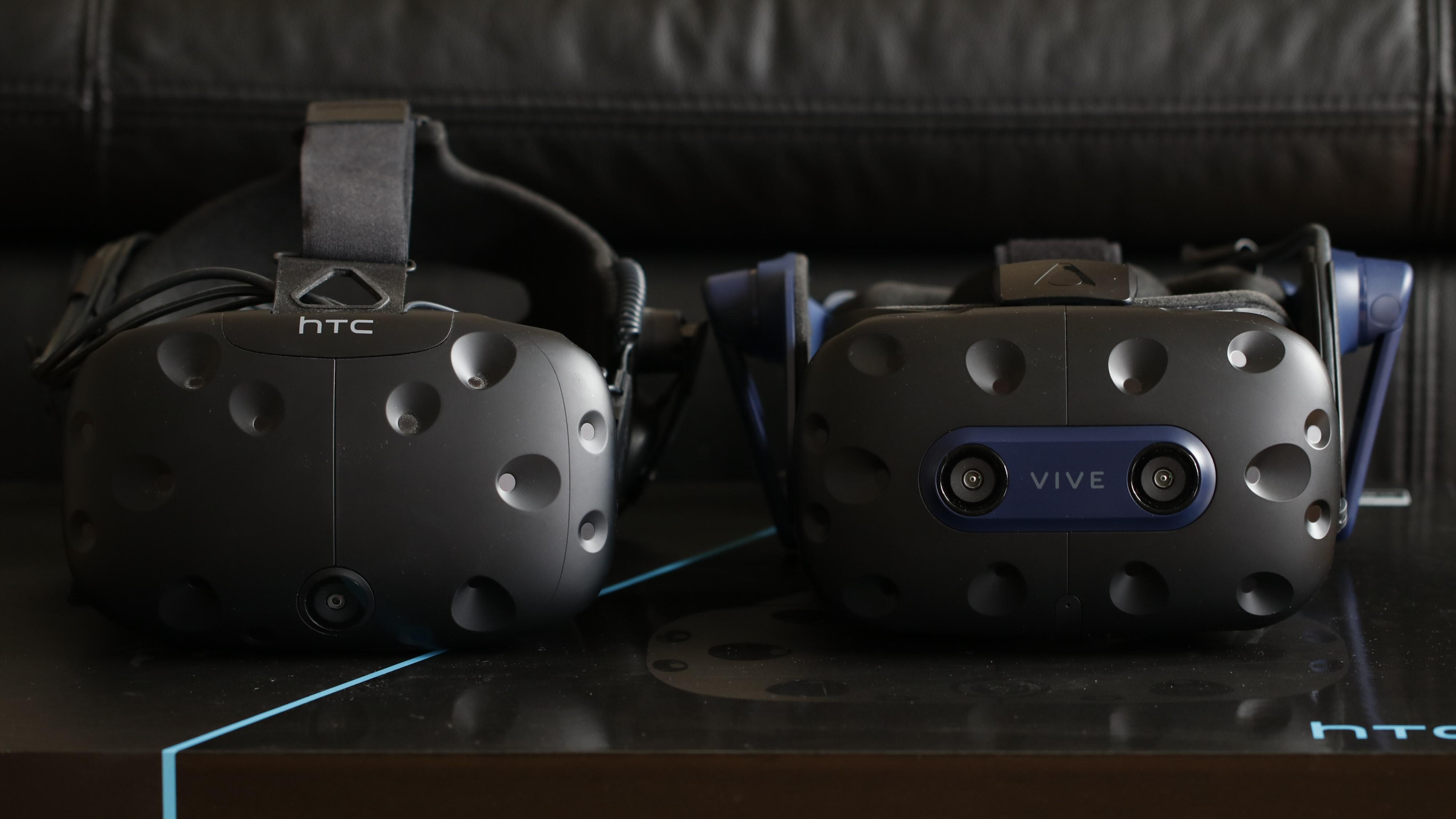 HTC Vive Pro 2 er i første rekke en solid oppgradering for de som sitter på den originale Viven (her med Deluxe Audio Strap).