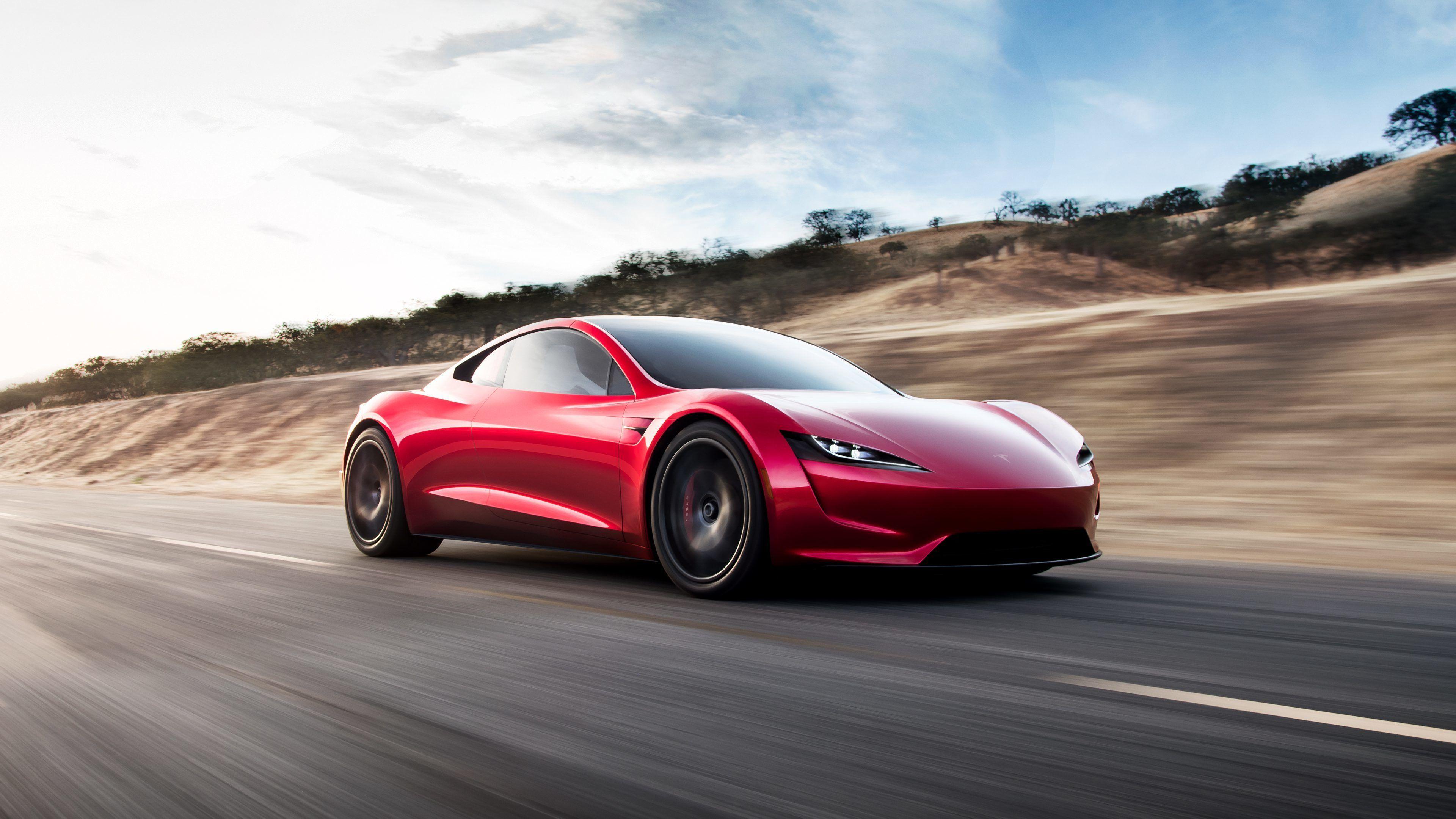 Testsjåfør har prøvd nye Tesla Roadster: – Denne blir et skikkelig våpen
