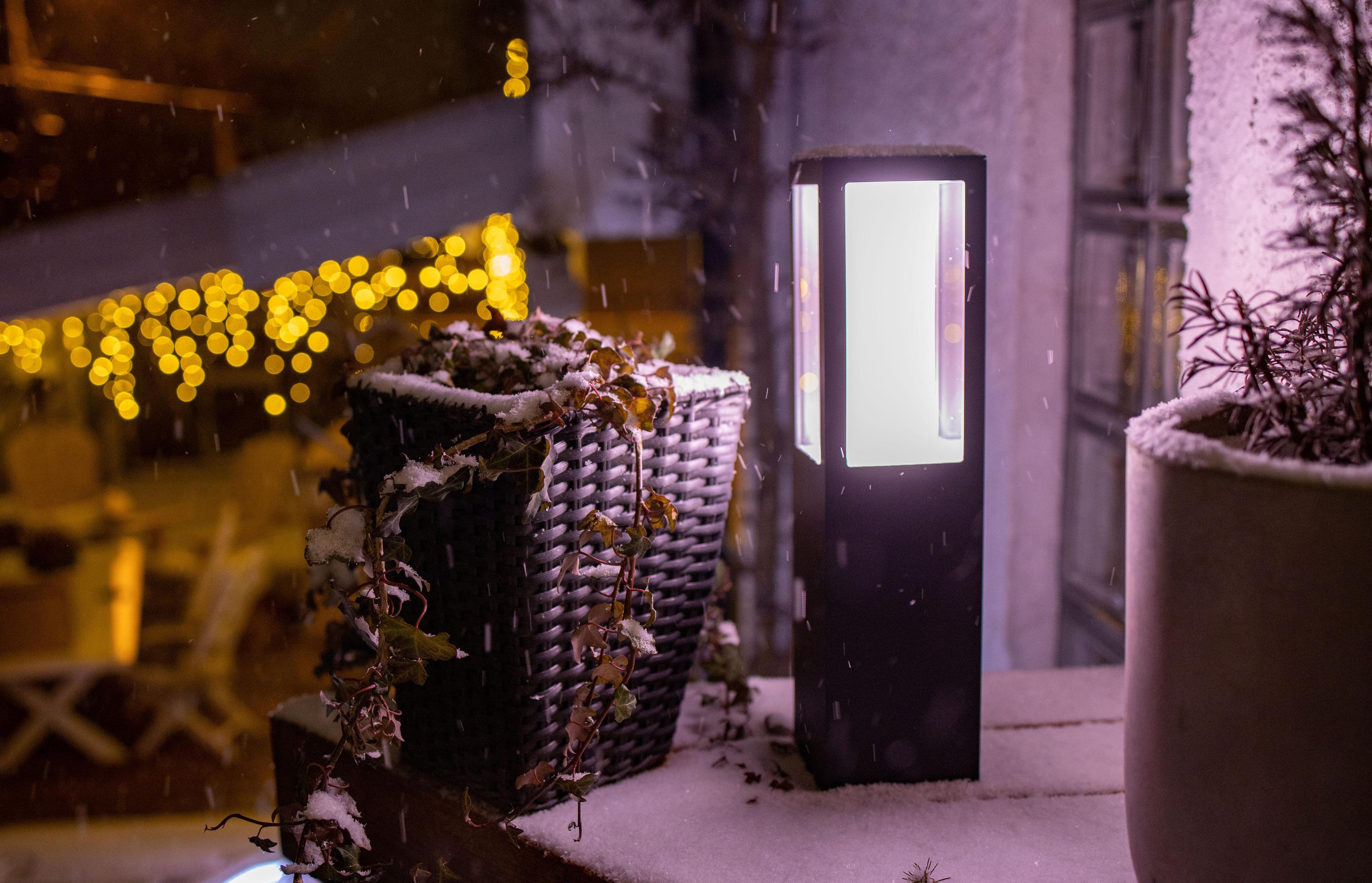 Impress-lampen gjorde seg godt på terrassen da mørket senket seg.