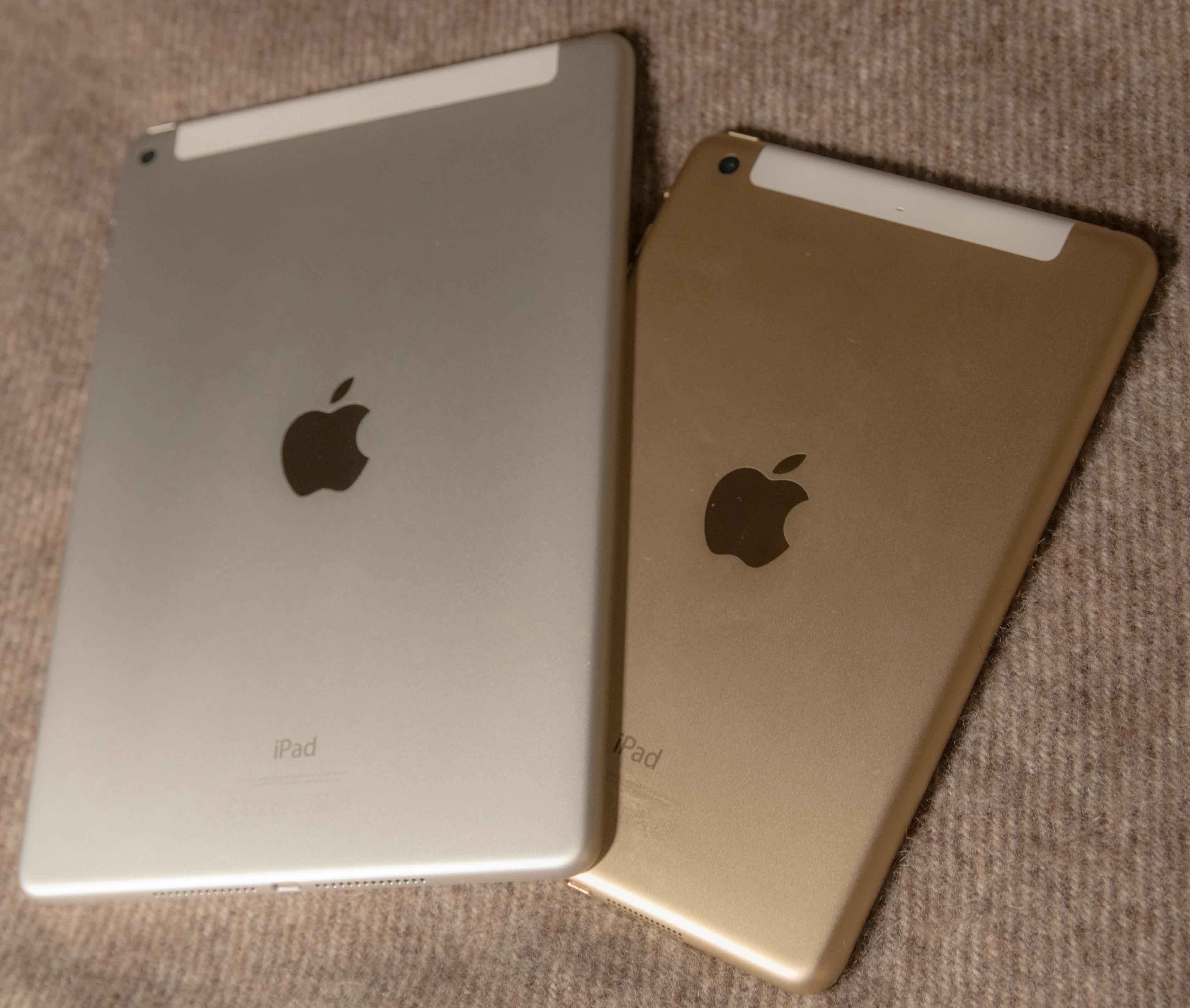 iPad Air 2 til venstre, og iPad Mini 3 til høyre. Begge fås i fargene sølv, «Space Grey» og gull.Foto: Finn Jarle Kvalheim, Tek.no