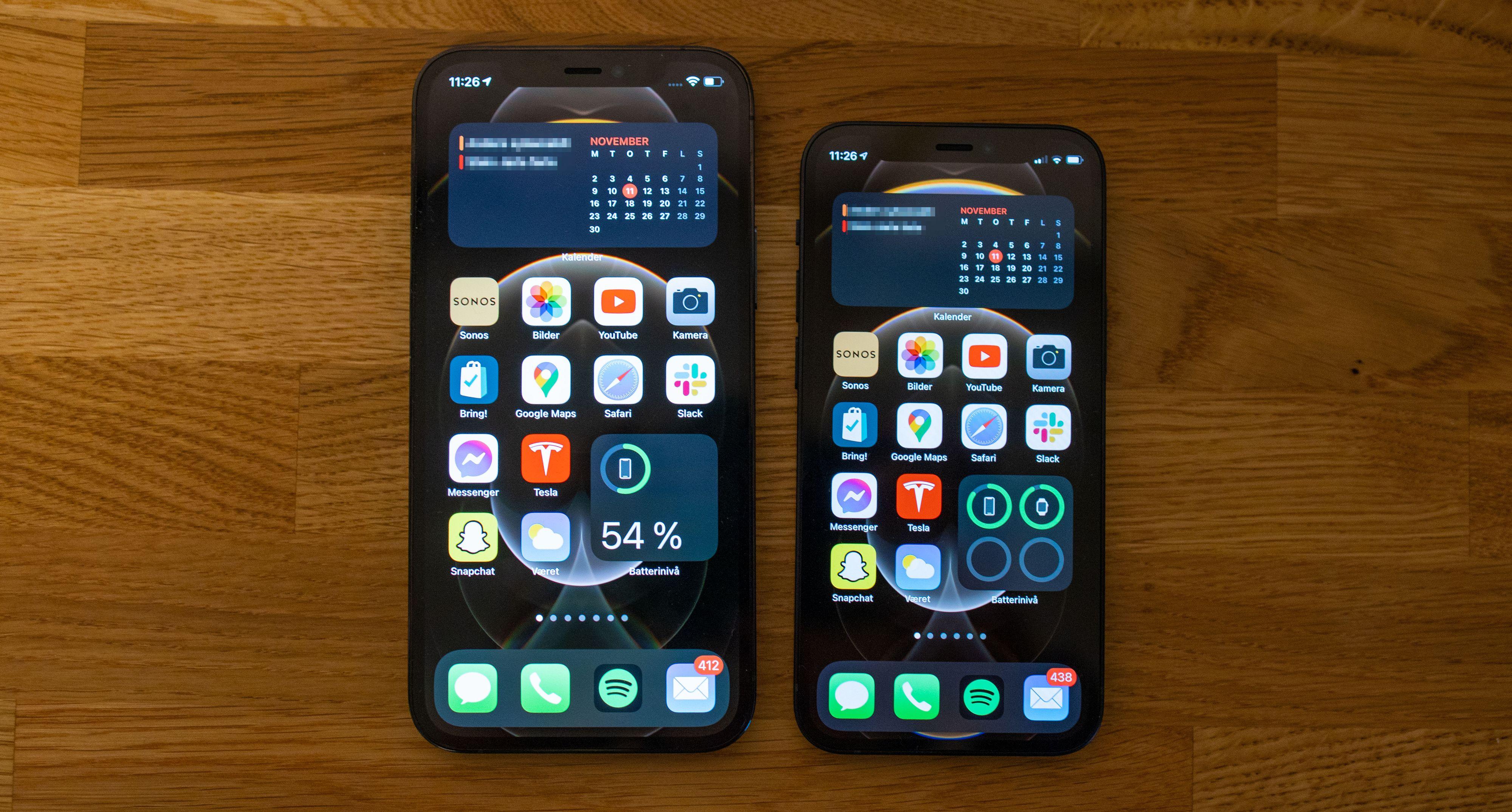 iPhone 12 Pro til venstre, iPhone 12 Mini til høyre.