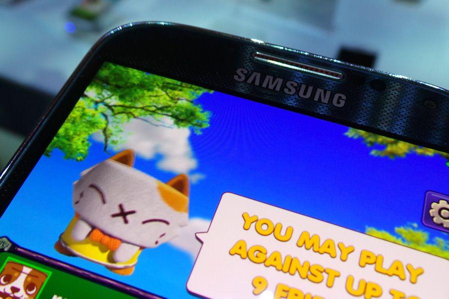 Opp til åtte spillere kan spille sammen på hver sin Samsung Galaxy S 4.Foto: Espen Irwing Swang, Amobil.no