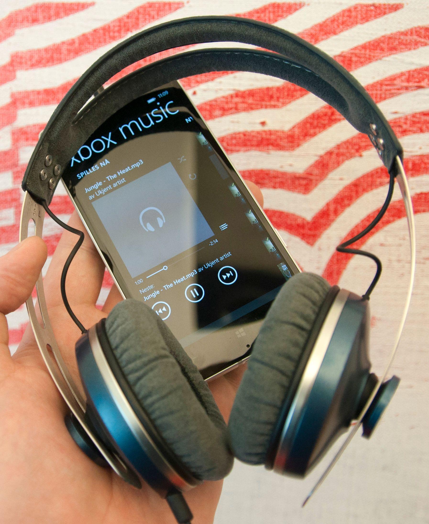 Lydkvaliteten fra Lumia 930 er svært god i kombinasjon med et godt sett hodetelefoner.Foto: Finn Jarle Kvalheim, Amobil.no