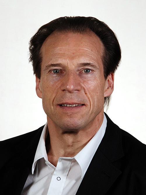 Jan Bøhler vil understreke at alle som skaffer seg våpen, uansett hvordan det blir laget, plikter å skaffe tillatelse fra politimesteren.Foto: Stortinget