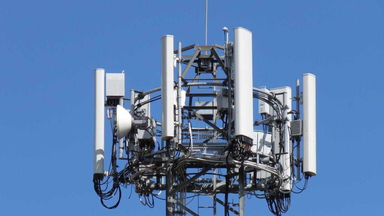 5G-master påtent i Storbritannia i frykt for corona