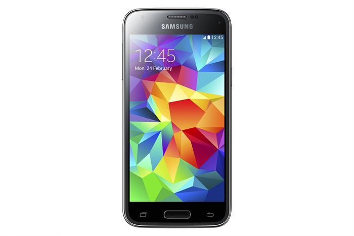 Skjermen i Galaxy S5 Mini har fått mye høyere oppløsning enn forrige Mini-modell fra Samsung. Det er likevel et stykke opp til toppmodellens full-HD-skjerm.Foto: Samsung