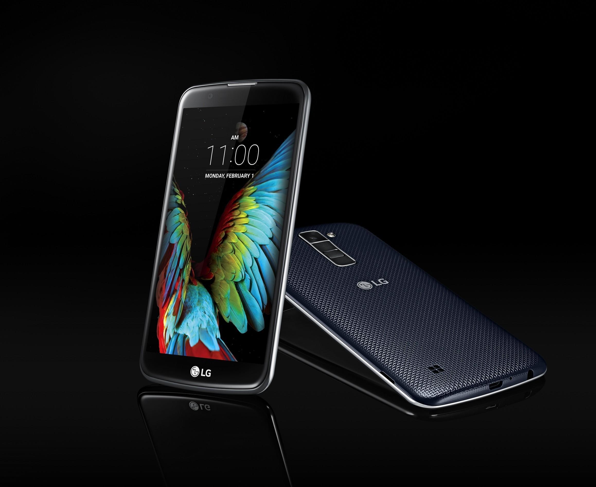 LG K10 er spesielt lekker på fremsiden, men baksiden er også ganske pen – med en særpreget tekstur.