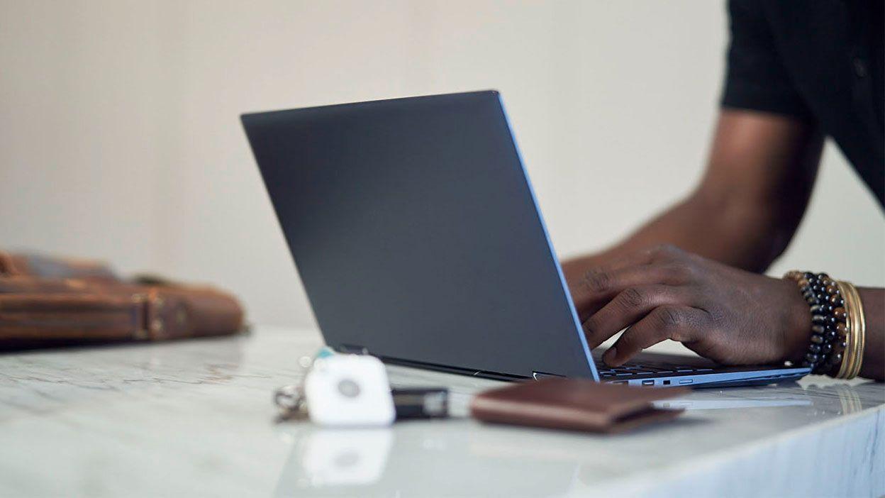 PC-er kan fremover komme med innebygget sporingsteknologi fra Tile.