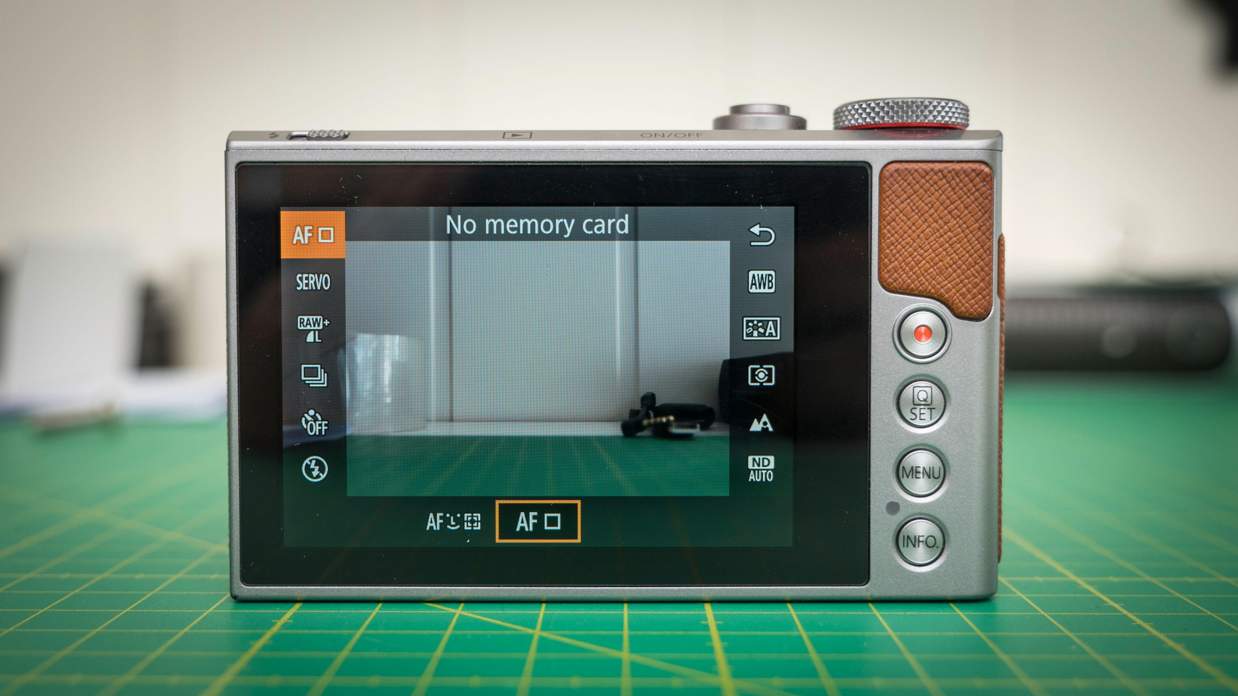 Canon legger i stor grad opp til at kameraet skal betjenes via berøringsskjermen.