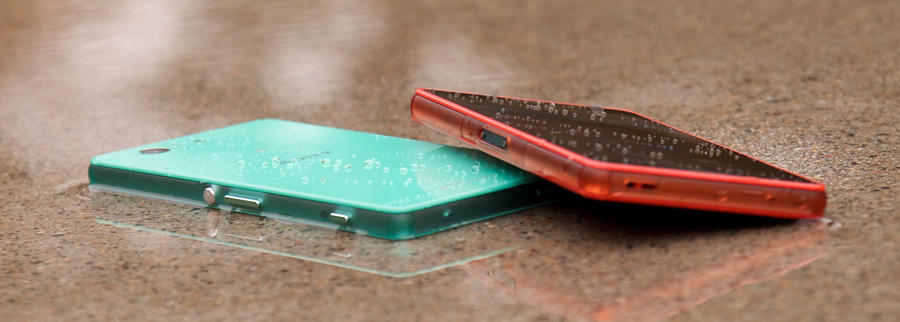 Sony Xperia Z3 Compact kan noe hverken Samsung Galaxy Alpha, eller Apples iPhone 6 kan; den kan bade. Sony fortsetter å satse på vanntette telefoner.Foto: Kurt Lekanger, Tek.no