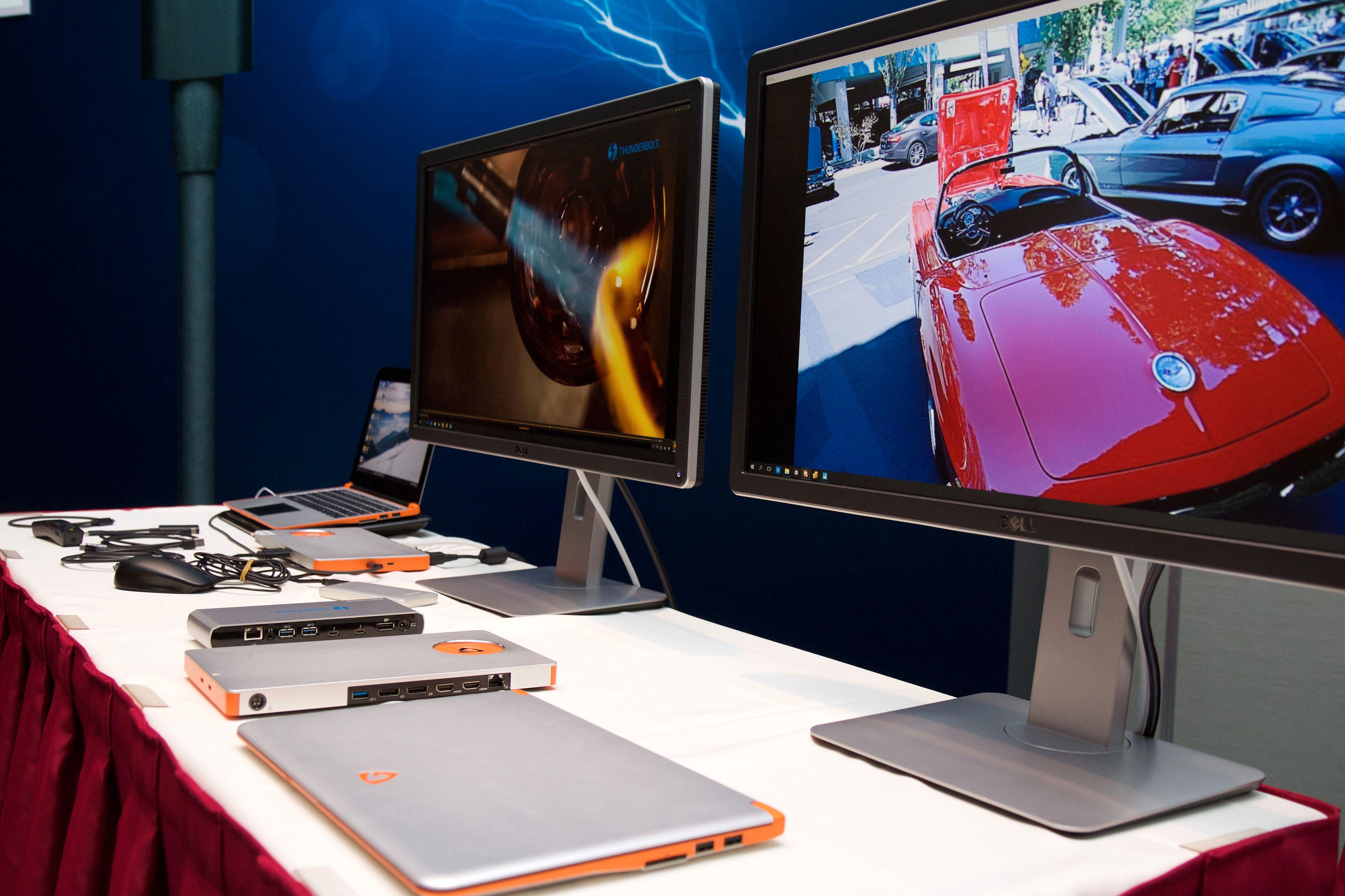 En rekke ulike skjermer, disker og dokkingløsninger var stilt ut. Foto: Kurt Lekanger, Tek.no