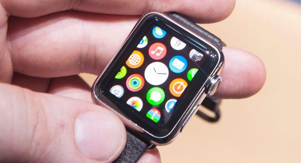 Bildet er fra da vi fikk en «sniktitt» av Apple Watch i fjor. Foto: Finn Jarle Kvalheim, Tek.no