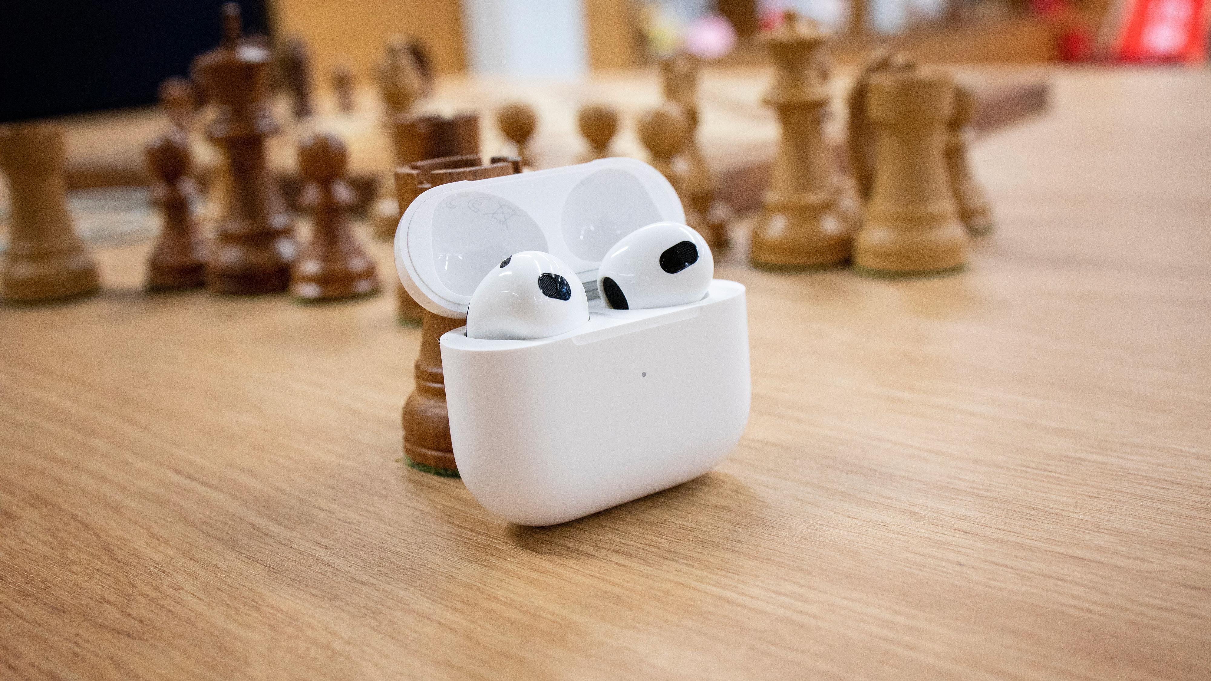 Apples nye AirPods byr på forbedringer over nesten hele fjøla