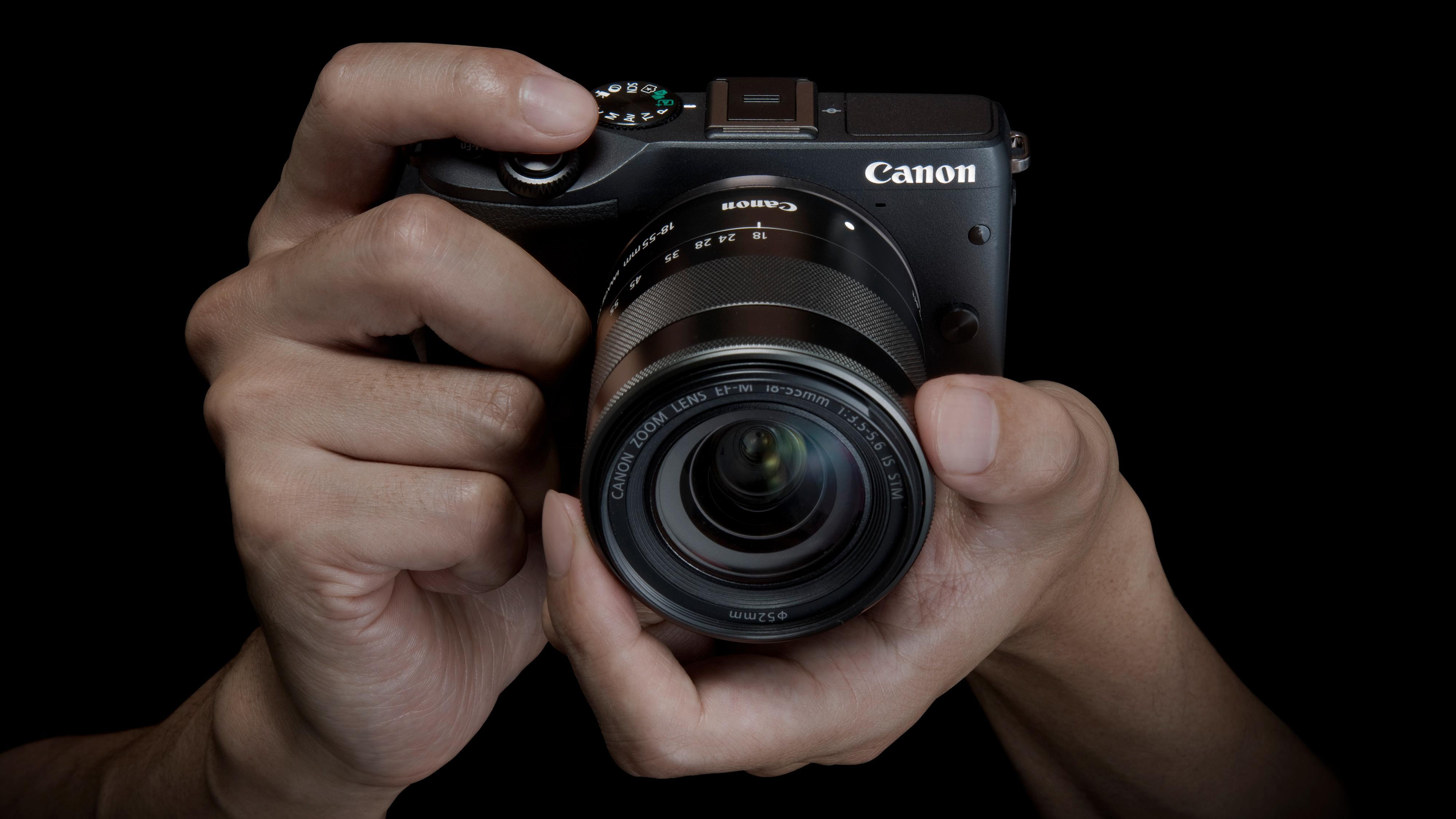 Canon EOS M3, et speilløst systemkamera i en hending størrelse. Foto: Canon