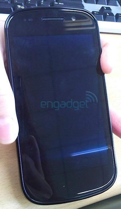Her et bilde fra en av de tidligere lekkasjene av Nexus S. (Foto hentet fra engadget.com)