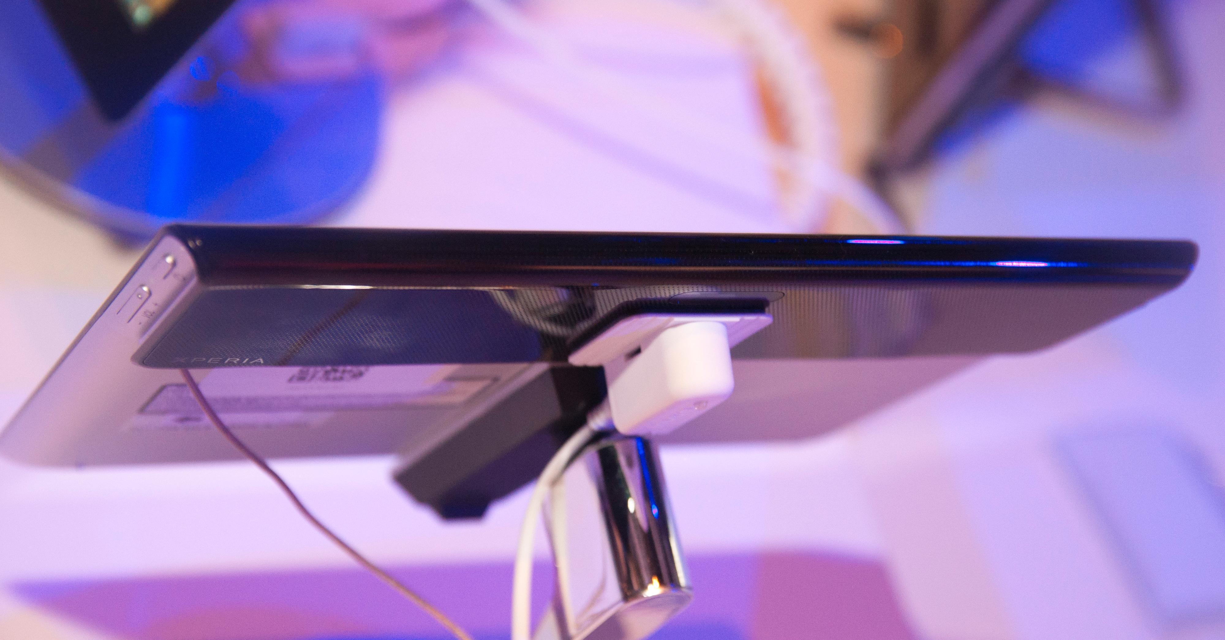 Slik ser Xperia Tablet S ut fra baksiden.Foto: Finn Jarle Kvalheim, Amobil.no