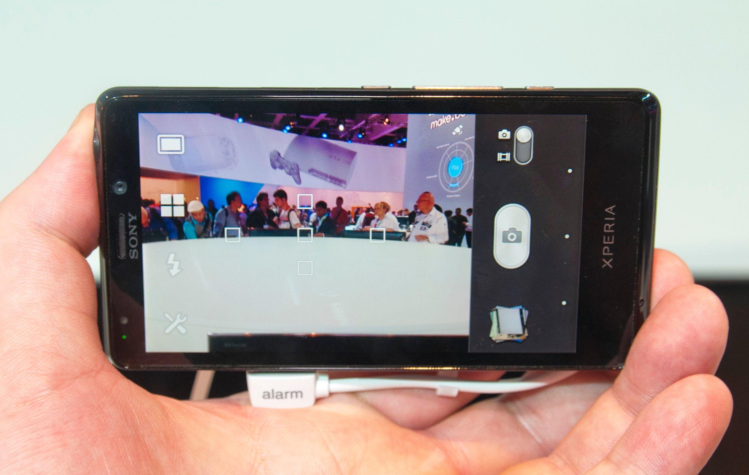 Kameraet i Xperia T knipser bilder med en oppløsning på 13 megapiksler.