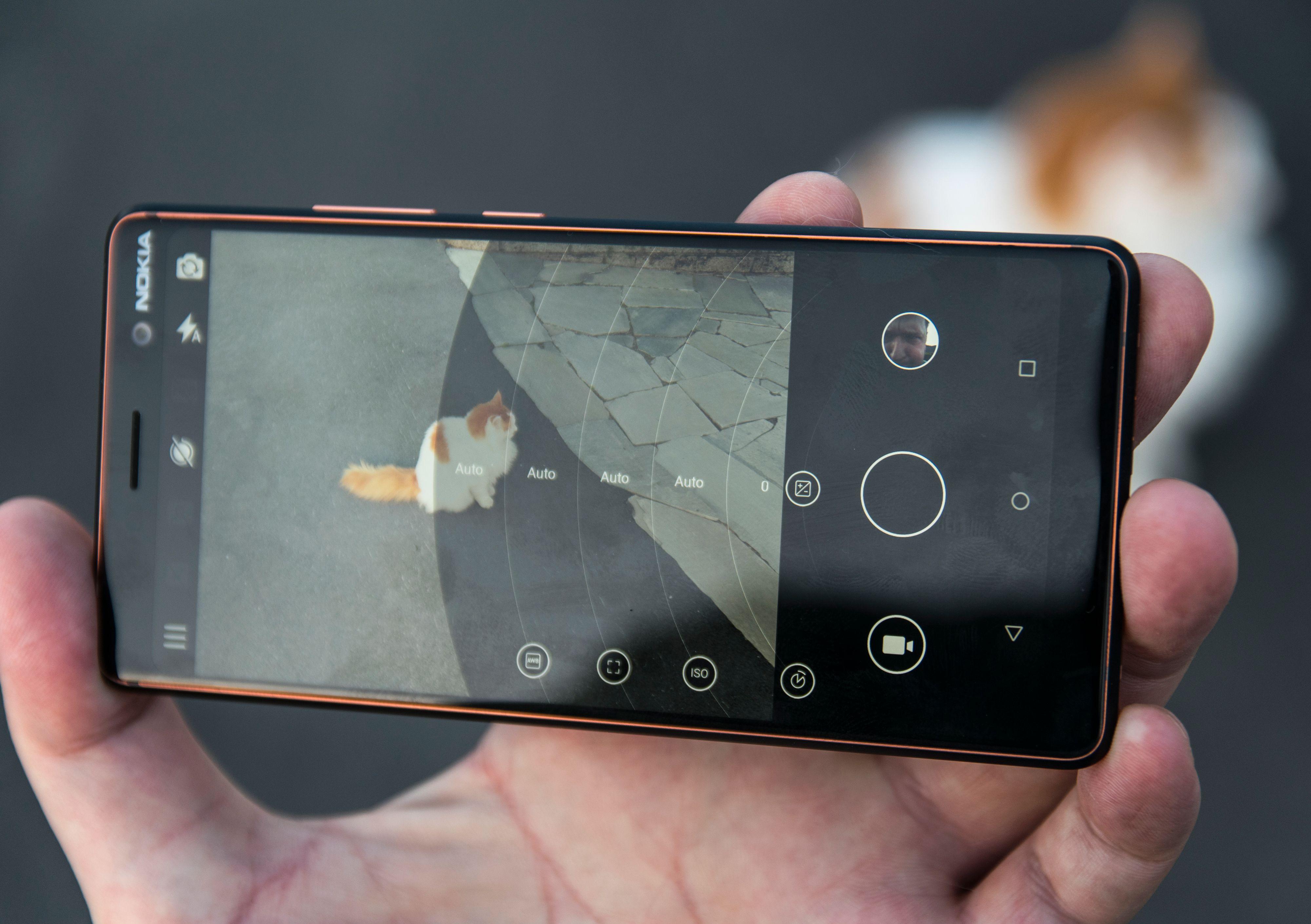 Kameraet er én av de viktigste fordelene med denne telefonen, og funksjonene fra Pro Camera-appen som ble kjent i Nokia Lumia-telefonene.