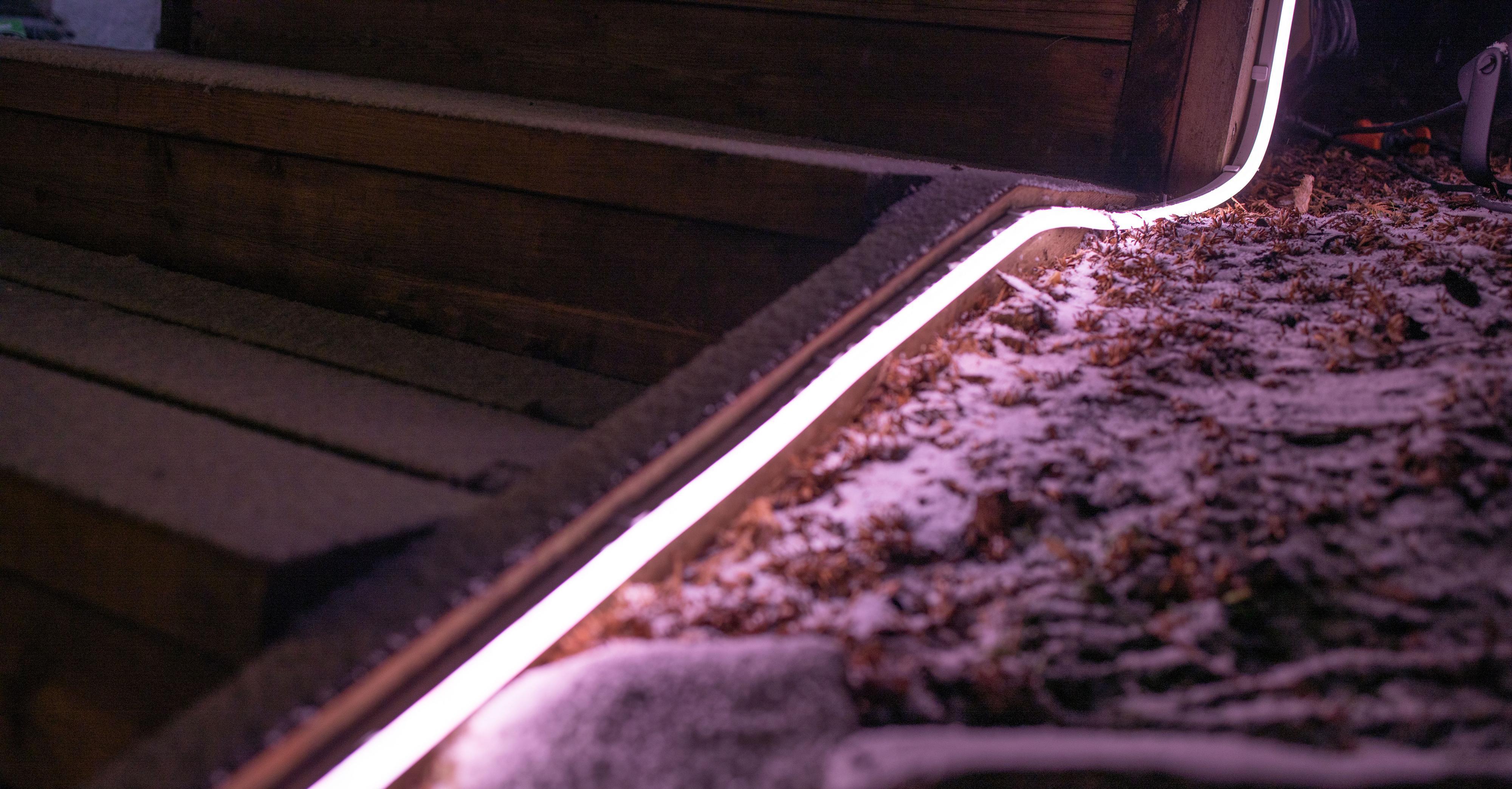 Utendørsvarianten av Philips Hues lysstripe imponerte stort, og ser superlekker ut.