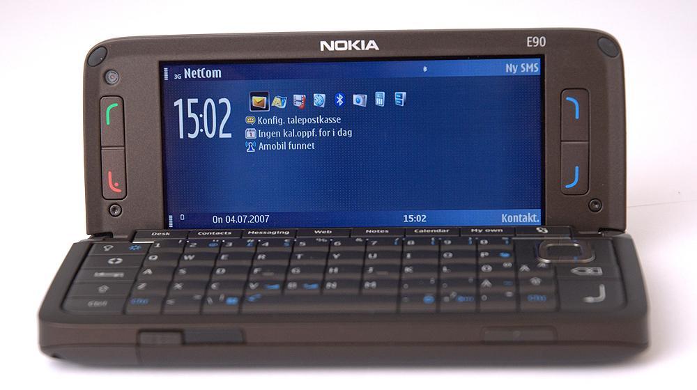 Nokia E90 var den siste av Communicatorene. De var ofte litt trege og knotete å bruke, men med moderne innmat og programvare kan dette bli nye hits. Prislappen vil imidlertid konkurrere hardt med nostalgifaktoren.