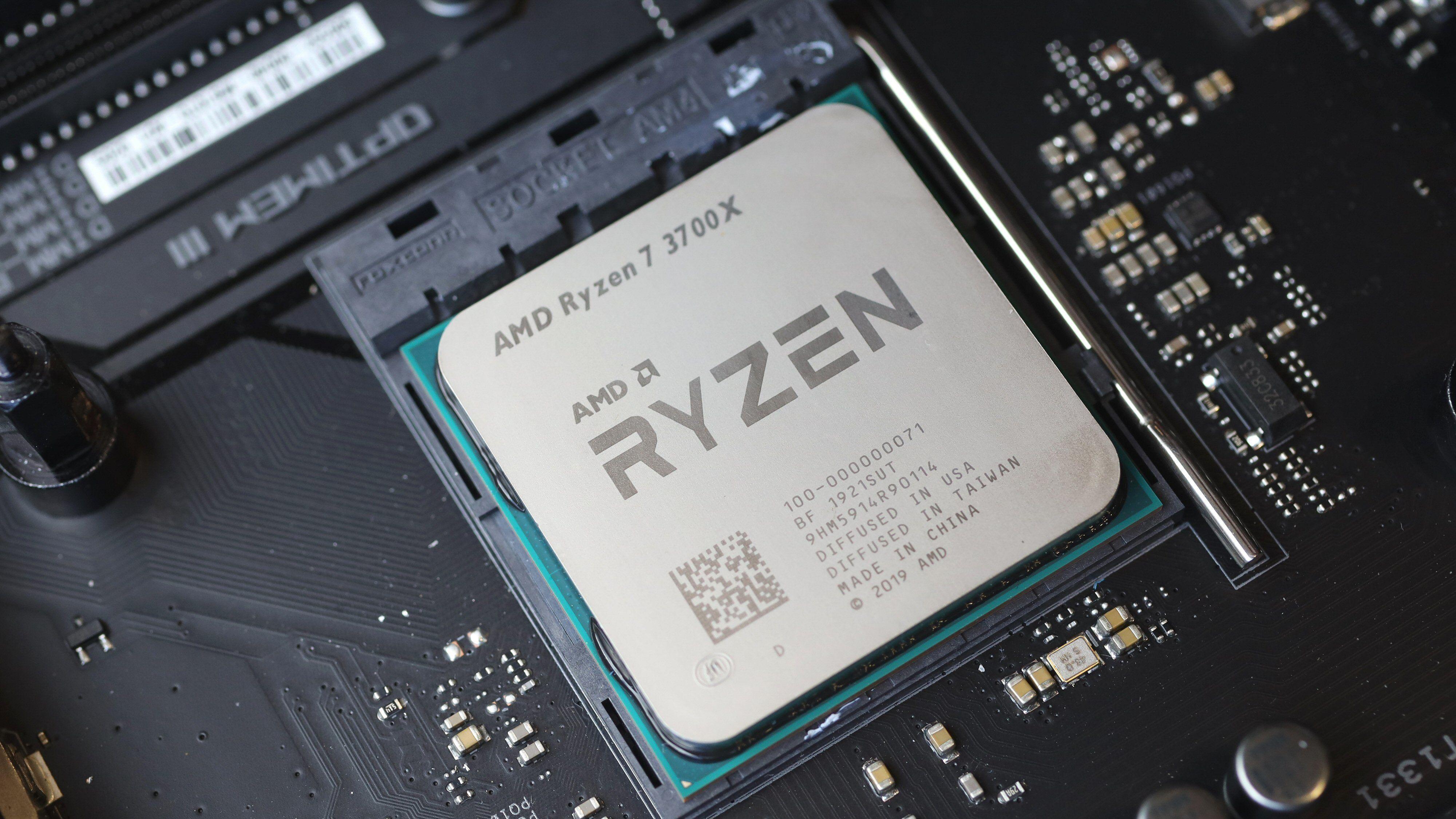 Takket være AM4-sokkelen passer de nye prosessorene også i en rekke eldre hovedkort.