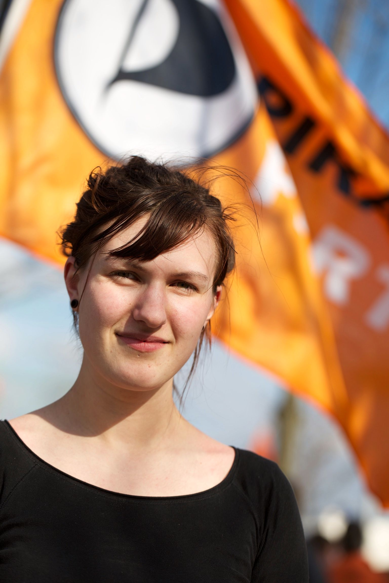 Leder i Piratpartiet i Norge, Tale Haukbjørk Østrådal, støtter tiltakene til det tsjekkiske søsterpartiet.