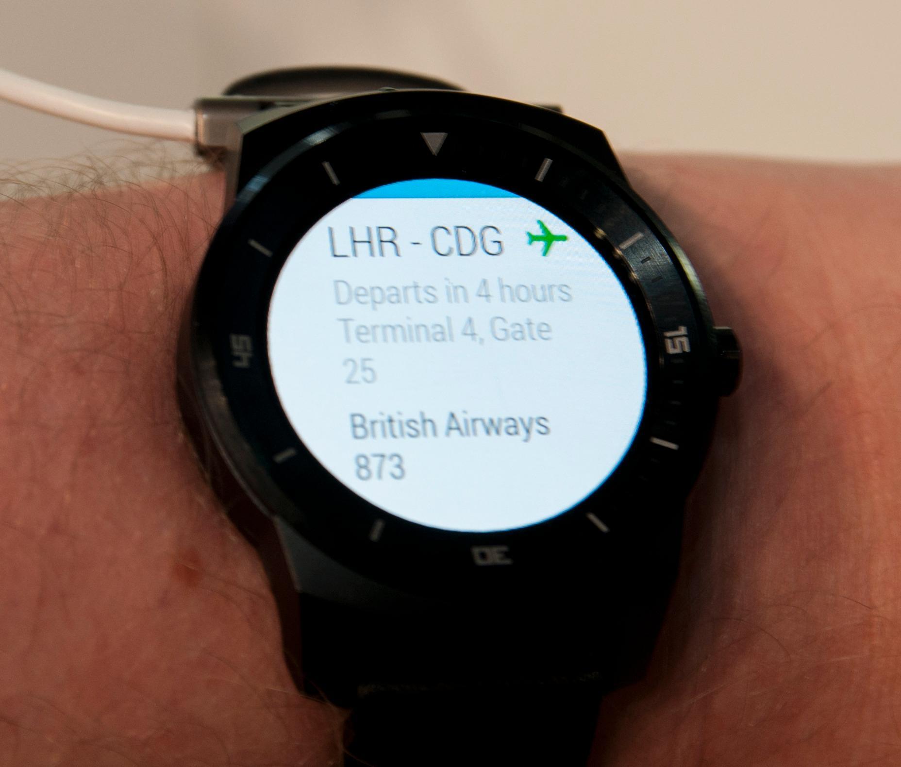 Googles lille hjelper, Google Now, er en viktig del av Android Wear, og dermed også G Watch R. Norsk talestyring er ikke støttet.Foto: Finn Jarle Kvalheim, Amobil.no