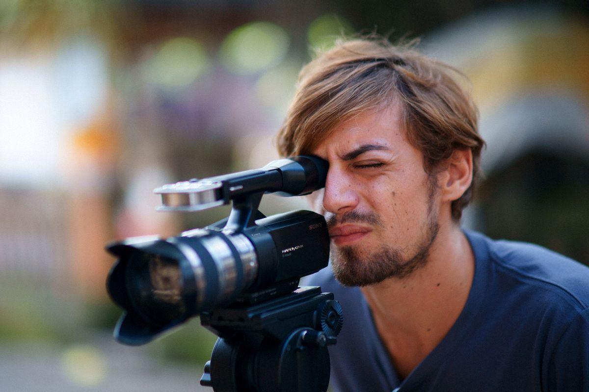 Et videokamera med beskjeden størrelse.