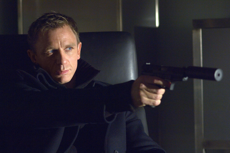 Selv om den neste filmen kanskje står ovenfor finansproblemer, så vil Craig mer enn gjerne gjenta rollen som Agent 007.