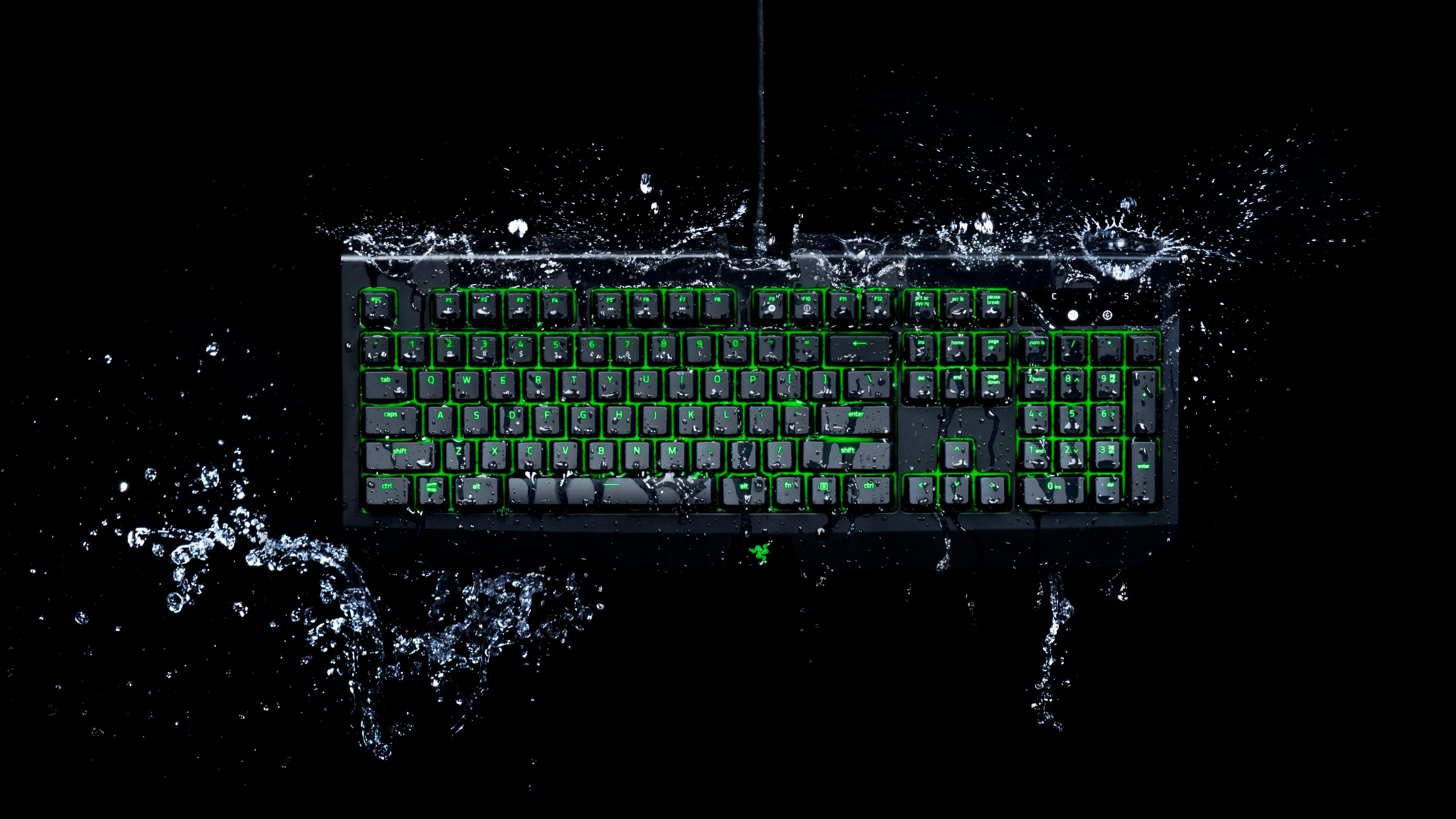Razers nye tastatur kan du søle brusen på uten problemer