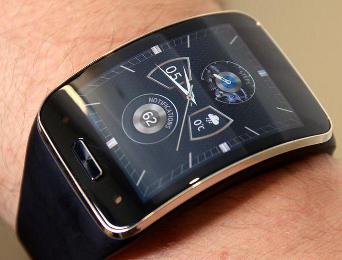 Samsung bruker operativsystemet Tizen på mange av smartklokkene sine. Nå skal operativsystemet brukes i smarte TV-er også.Foto: Finn Jarle Kvalheim, Tek.no