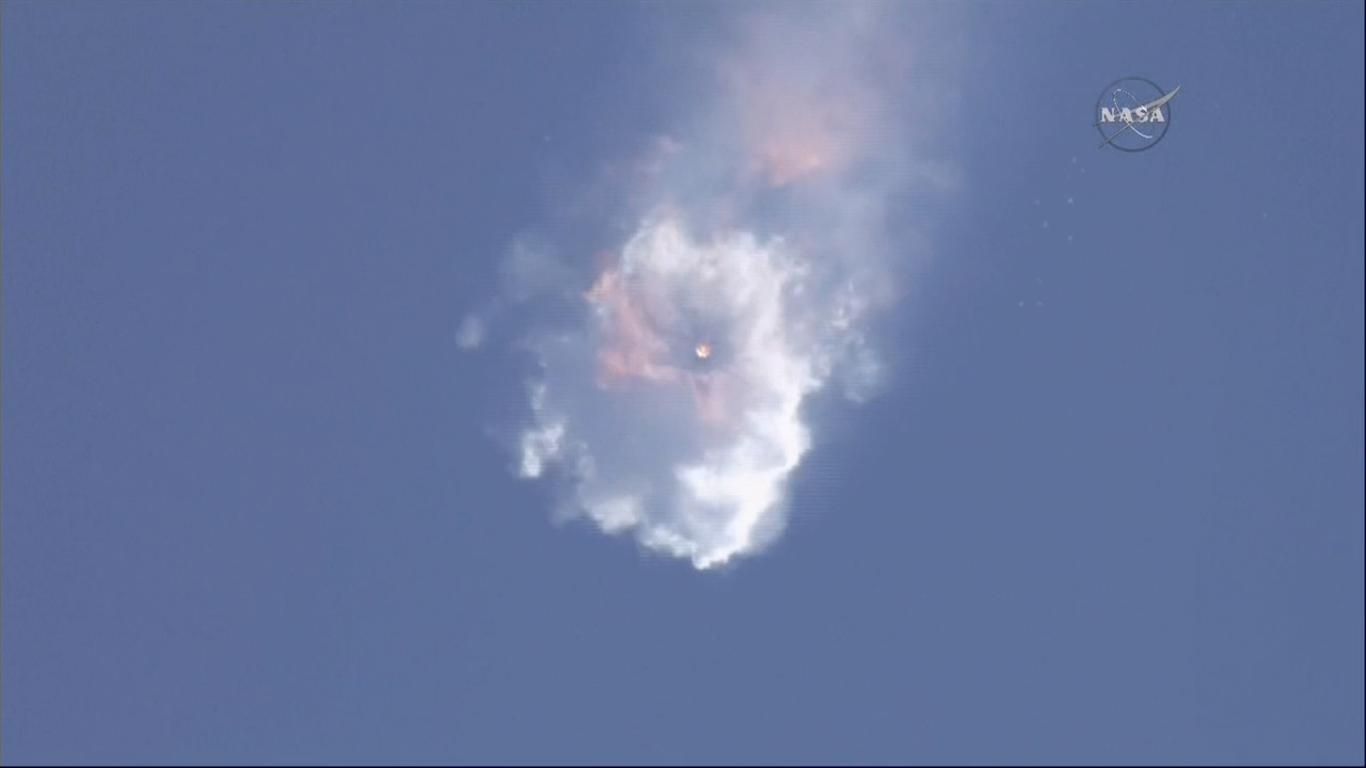 Her går SpaceX-raketten i oppløsning