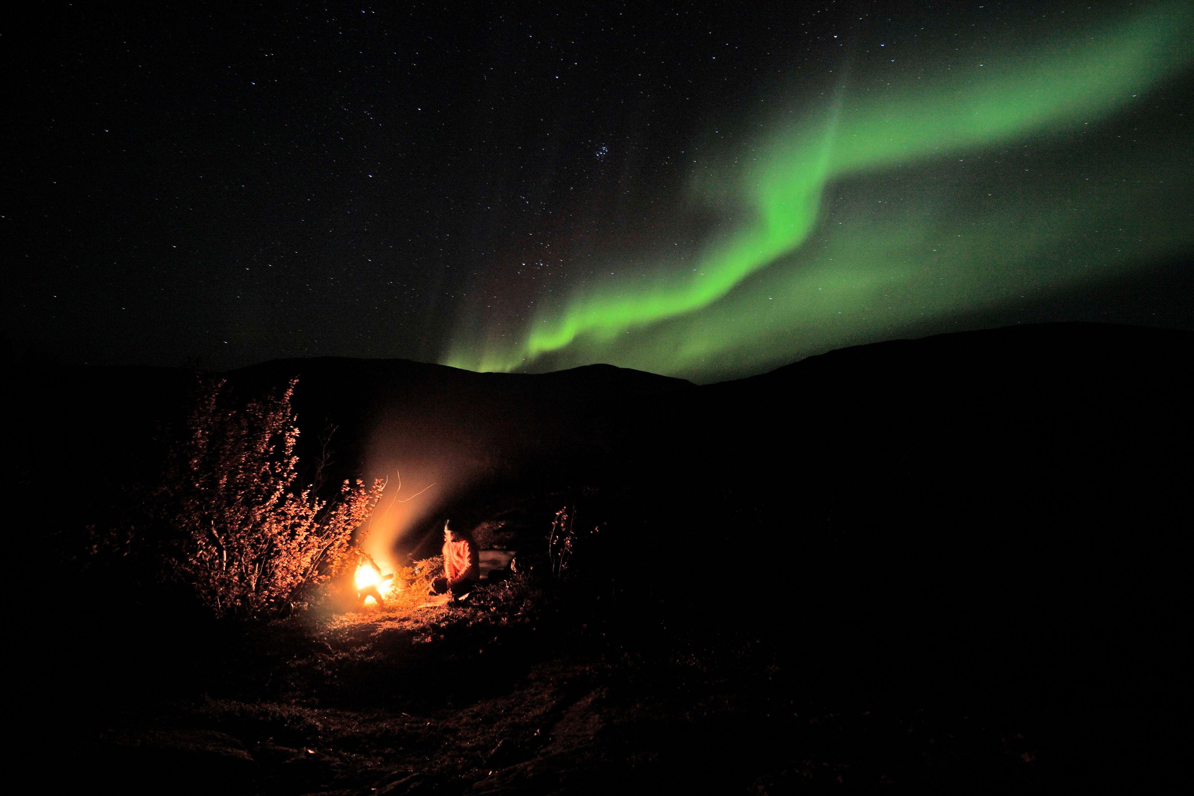 «Bålkos under nordlyset». Foto: Gorm Gunleiksrud