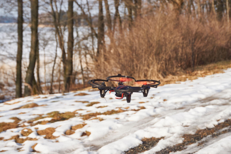 Hubsan X4 HD er en drone du kan herje med. Her er flygeegenskapene og responsen satt i høysetet.