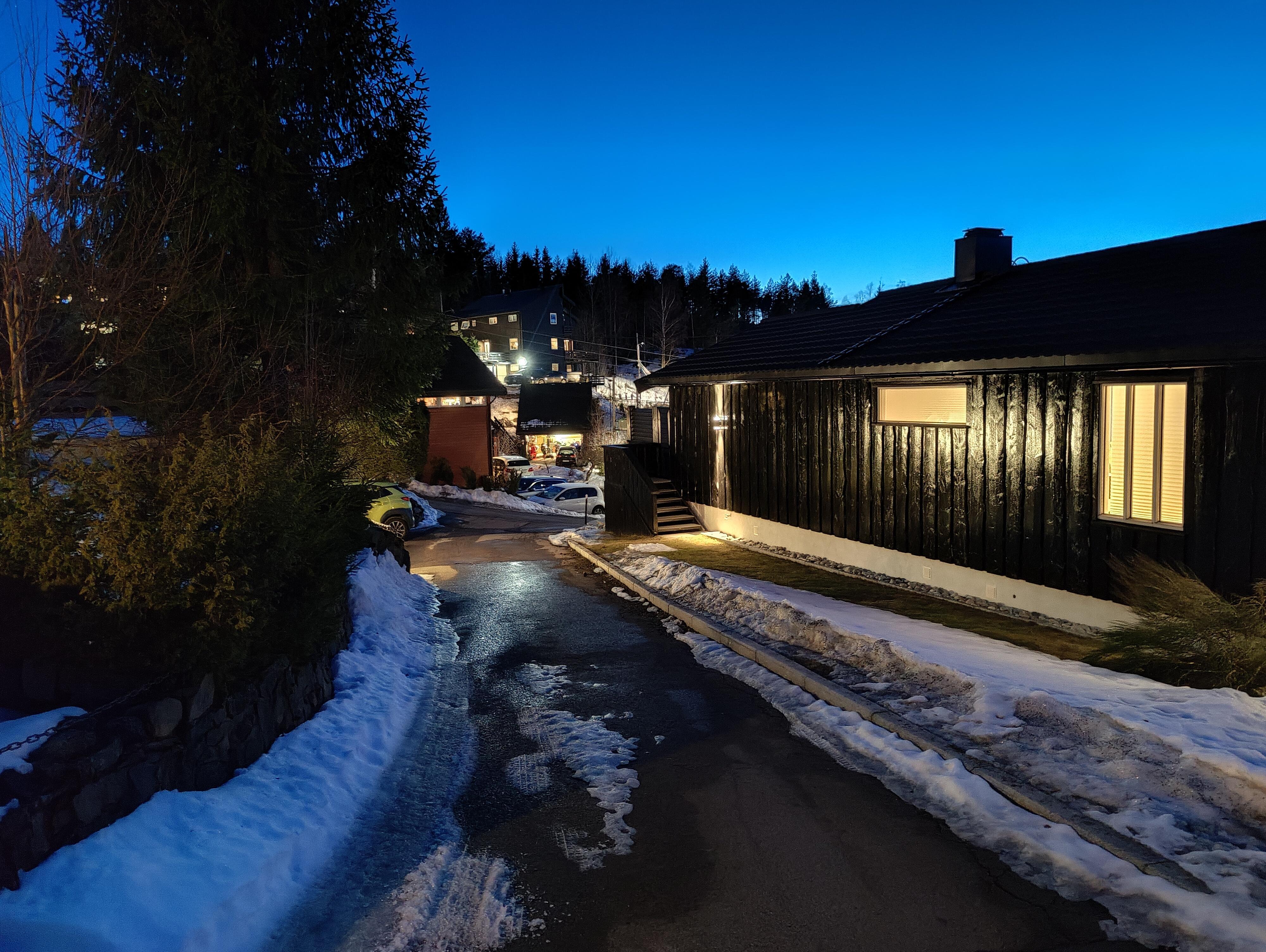 En kompetent nattmodus sørger for gode bilder etter mørkets frembrudd.