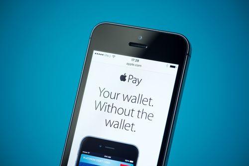 Apple, med sin Apple Pay-løsning, er blant MasterCards samarbeidspartnere. Foto: Bloomua/Shutterstock.com