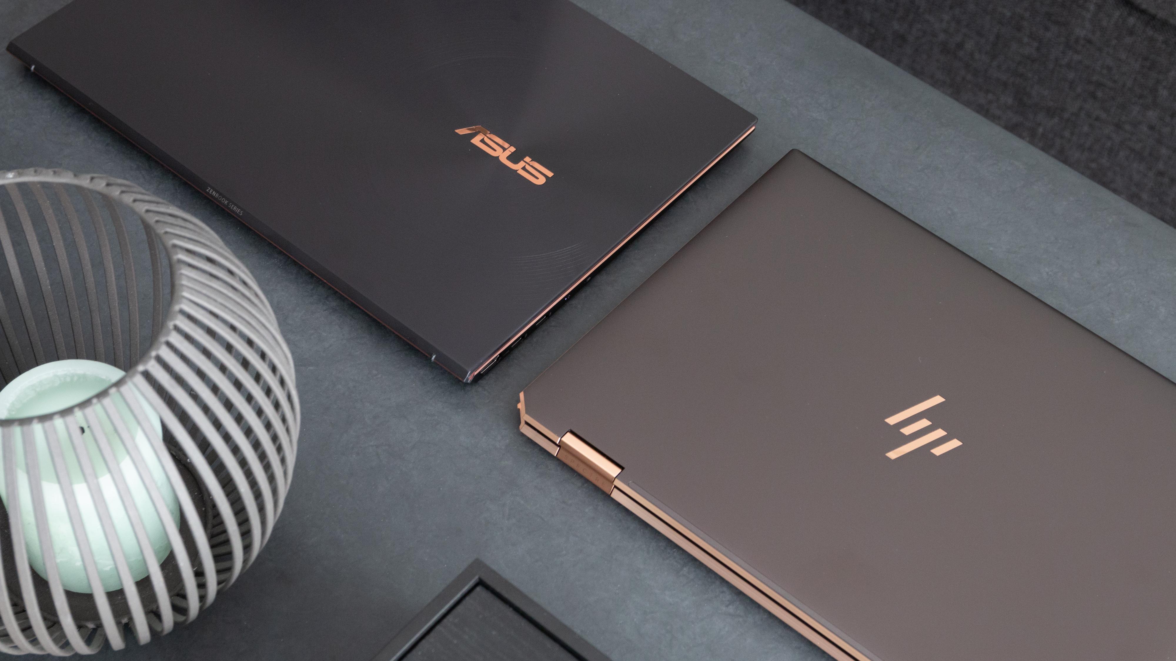 Både Asus ZenBook og HPs Spectre x360 er eksempler på bærbare med høy byggekvalitet. Disse er bygget i aluminium, men også plast kan være et solid materiale.