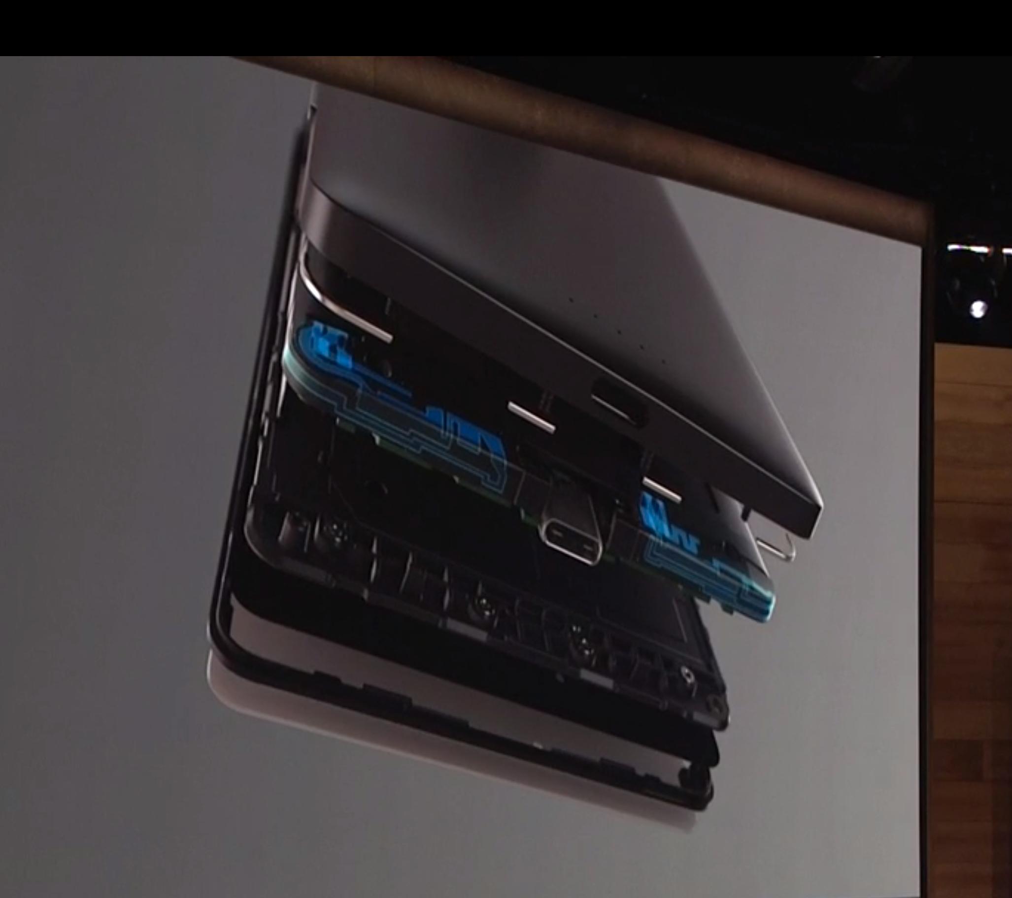 Det adaptive antennesystemet skal visstnok gi deg bedre dekning. Foto: Microsoft, Skjermdump fra video