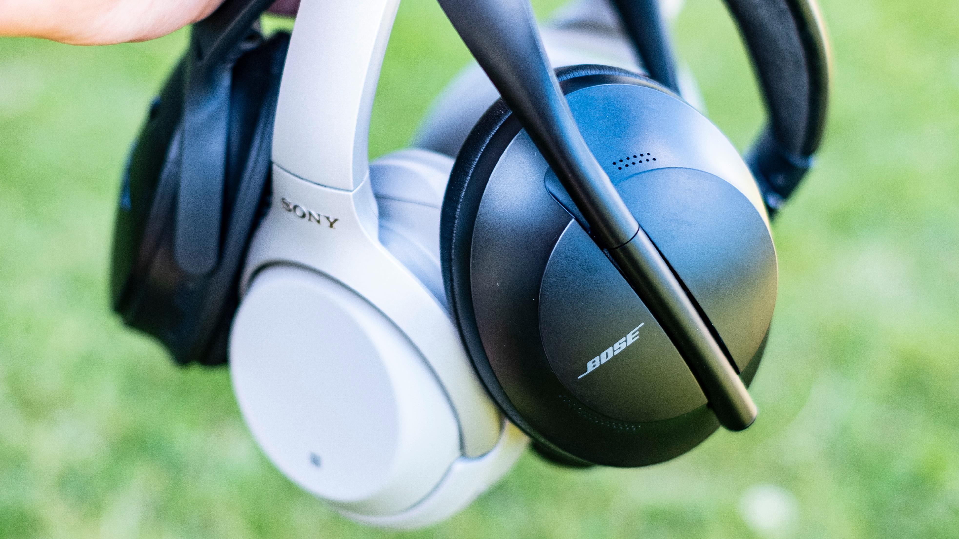 Støydempingen er såvidt kvassere i de nye Bosene sammenliknet med Sonys WH-1000XM3. Sammenliknet med Quiet Comfort 35 fra 2016 er forskjellen stor.