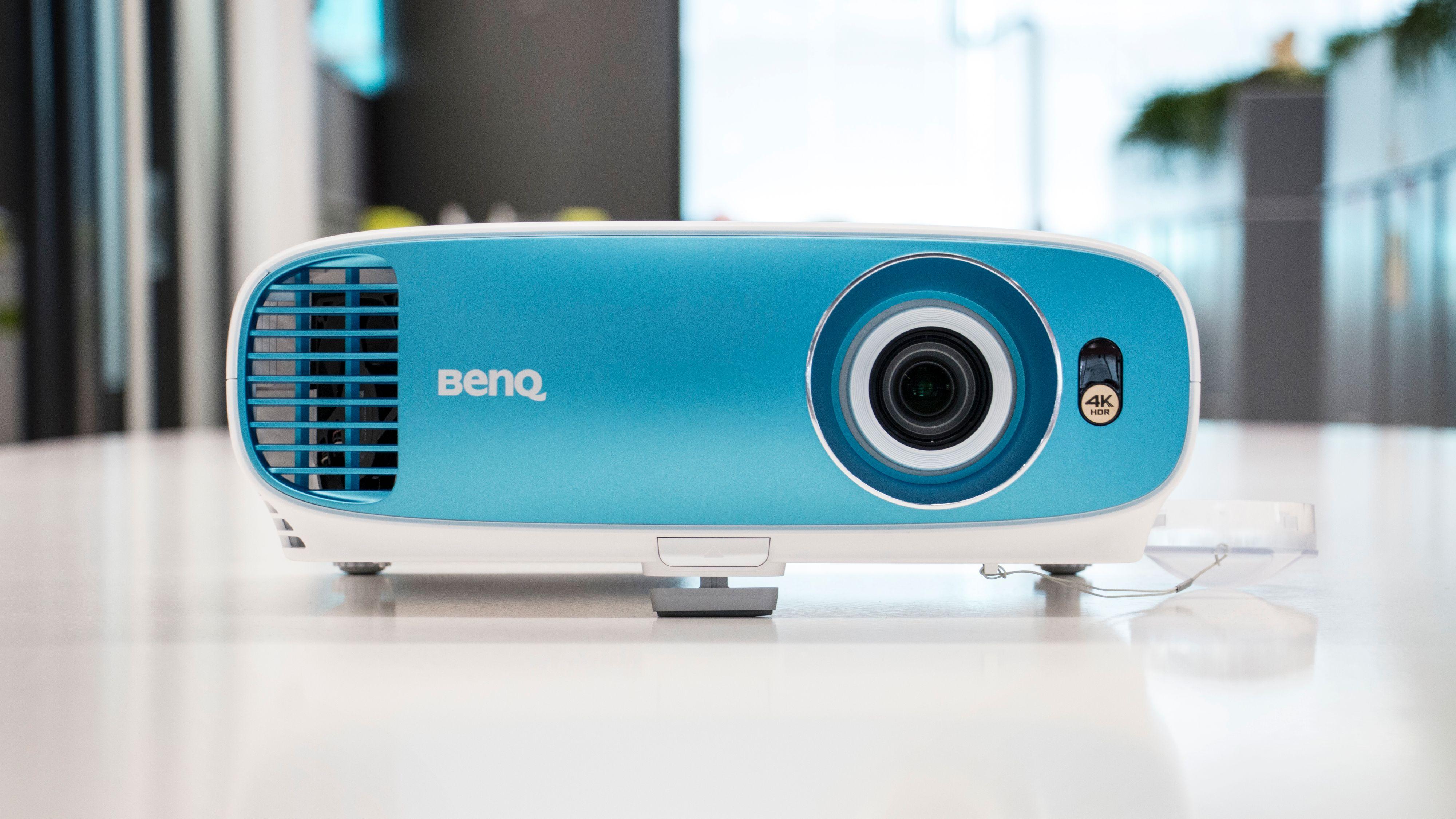 BenQ TK-800.
