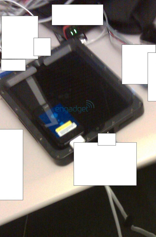 Ser du den? Oppe til høyre skal en Iphone 4G være synlig.