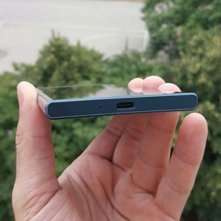 I bunnen finner vi en splitter ny USB Type-C-kontakt.