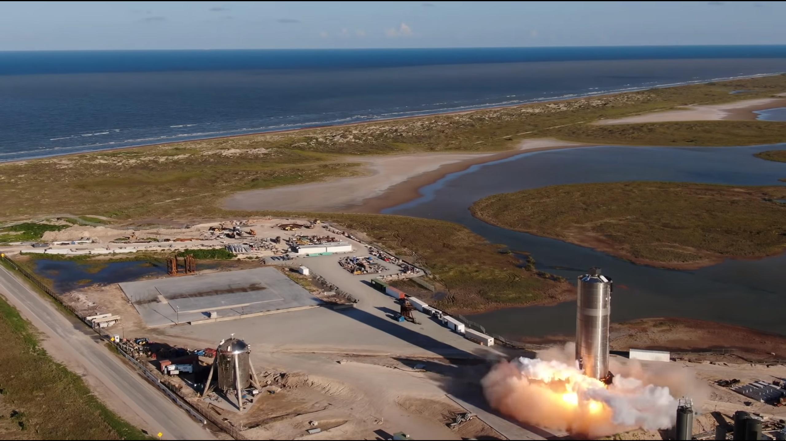 Slik så det ut da raketten startet oppskytningen.