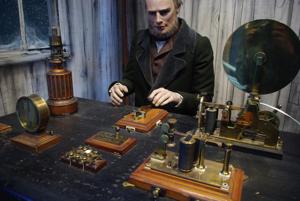Dette telegrafbordet var Norges første telegrafbord da det kom til Drammen i 1855.