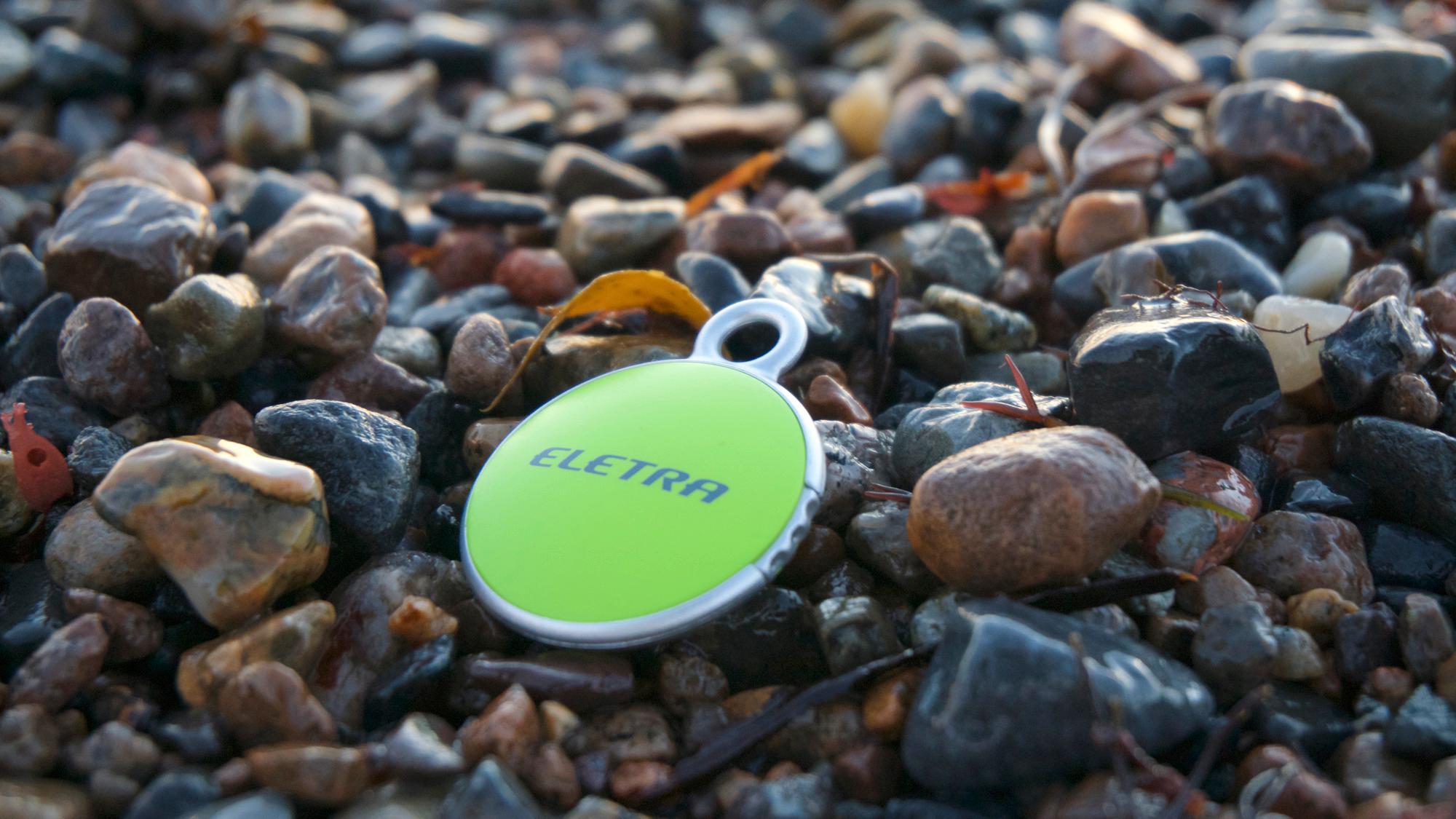 Eletra Bluetooth tracker er grønn. Veldig grønn.