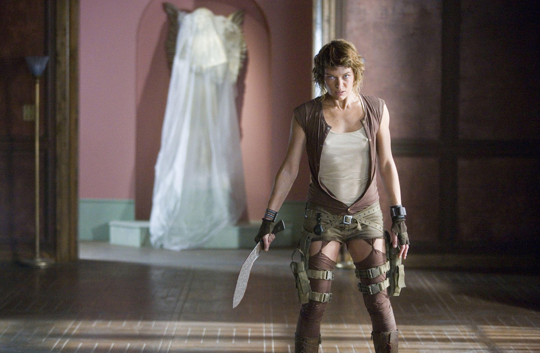 Milla Jovovich er igjen igang med å knerte zombier.